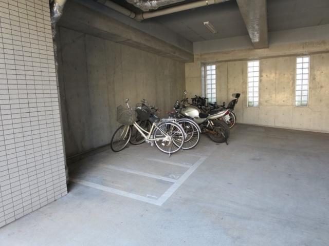 バイク置き場です。【レジディア文京本駒込】