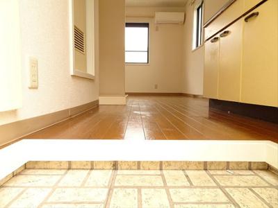 【玄関】CORNEL HOUSE