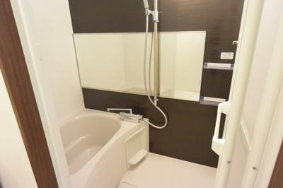 ※イメージ 落ち着いた空間のお風呂です