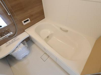 落ち着いた空間のお風呂です 三郷新築ナビ