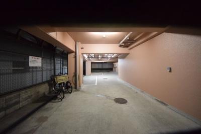 カナオリビル 駐輪場、駐車場
