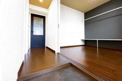 玄関には《シューズボックス》も完備されていますので、靴がたくさん収納出来て玄関はいつもスッキリ!