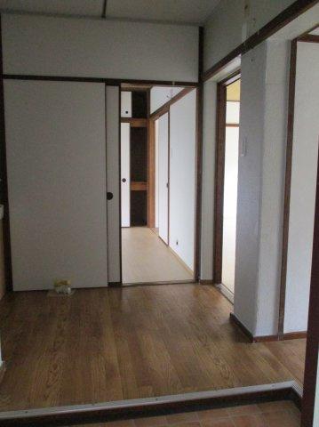 広めの玄関。