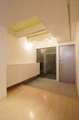 ゆったりとしたきれいな玄関です ※新築時写真