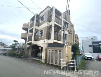 【サングレード逆瀬川】地上4階地下1階建 総戸数18戸 オートロックマンション ご紹介のお部屋は3階部分の南東角部屋です♪