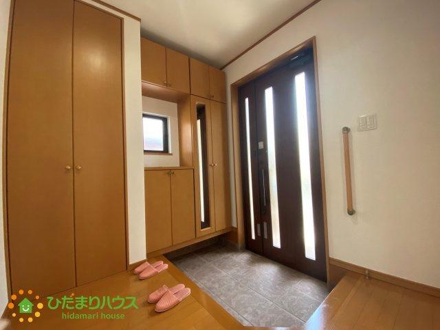 収納豊富な玄関です♪散らかりがちな玄関もスッキリ片付きます♪
