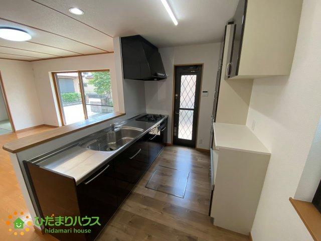 食器棚付きのキッチン♪嬉しいカウンターキッチンです!