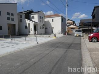 碧南市東浦町第2新築分譲住宅前面道路写真です。北東側幅員約5m公道に接道