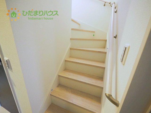 階段には安心の手すり付き☆彡