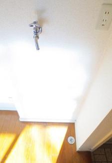 【ランドリースペース】《高稼働!》横浜市中区本牧満坂一棟アパート