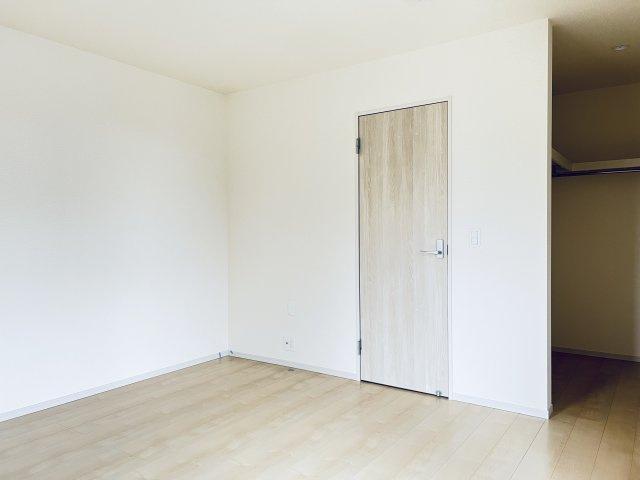 【同仕様施工例】5.34帖の洋室です。