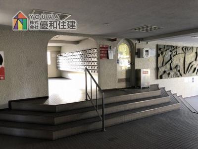 【エントランス】明石ハウス2号棟