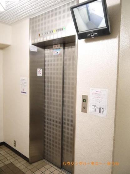 もちろん、エレベーター付きです。
