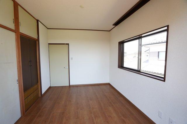 2階 シンプルなお部屋です。どんな家具でも映えます。