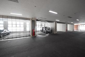ヴィークタワーOSAKA 駐車場