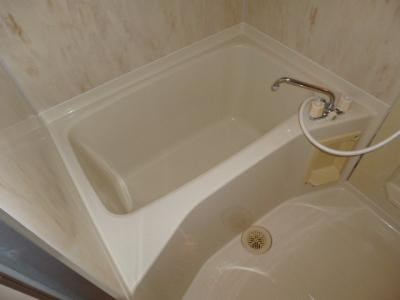 【浴室】アーバンヴィラ