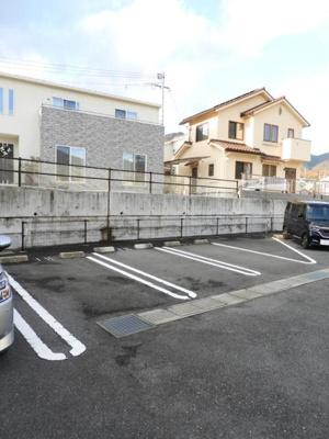 【駐車場】若葉B棟