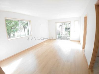 【居間・リビング】三木緑が丘町西7期 2号棟 ~新築一戸建て~
