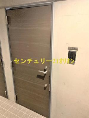 【玄関】Ludens(ルーデンス)練馬