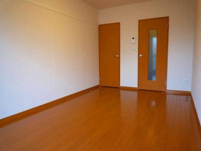 居室(廊下側・収納)