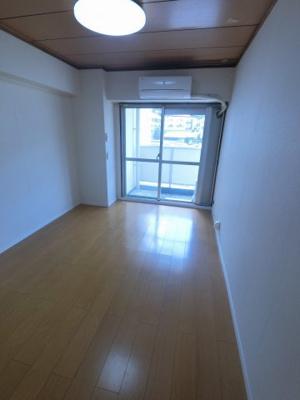 和室を洋室に変更しました。