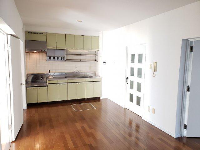 【居間・リビング】早良区南庄4丁目 中古マンション3LDK 1階