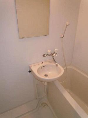 【浴室】レヴ・クロス