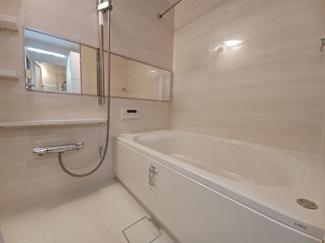マイランド蘇我 雨でも洗濯物を乾かせる浴室乾燥機付きです