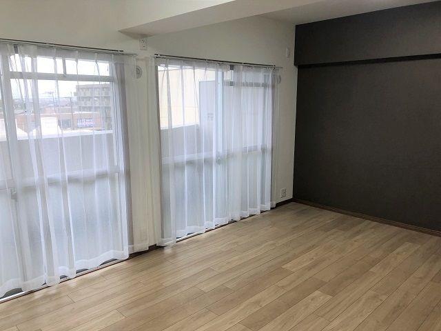 【居間・リビング】西区周船寺2丁目 中古マンション 4LDK 4階