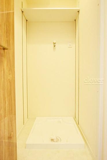 防水パン(洗濯機置き場) 上部収納あり