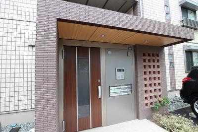 【エントランス】グラン・ルッソ歌敷山