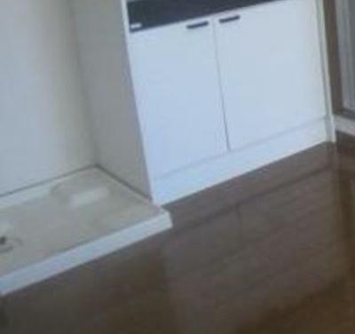 室内洗濯機置き場☆(魚眼レンズで撮影の為、実際の見え方とは異なります)