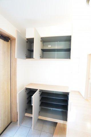 【リフォーム前写真】2階トイレ 温水洗浄機能付きです。