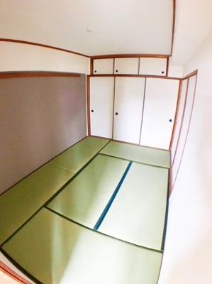 約6帖の和室です♪御来客頂いたお客様などにお泊り頂けるスペースなどにご利用できますね♪