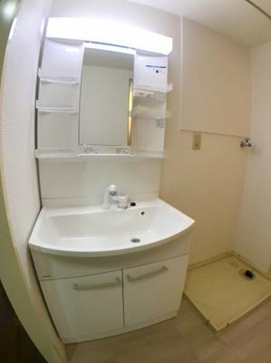 洗面台も新品に交換されておりますのでとてもきれいです♪