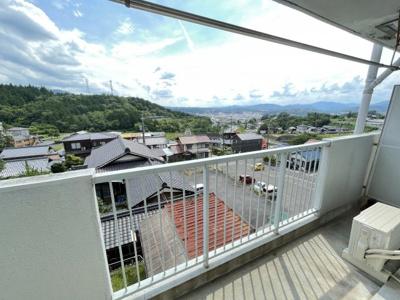 高台に位置する建物からの景色がきれいです
