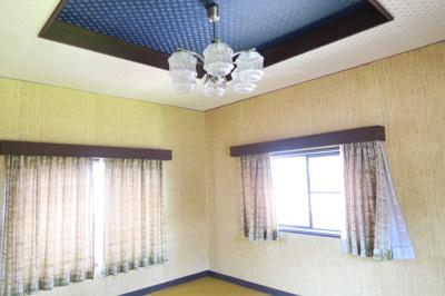 中2階の洋室です