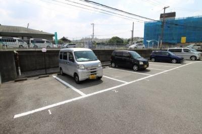 【駐車場】ルシェール多聞