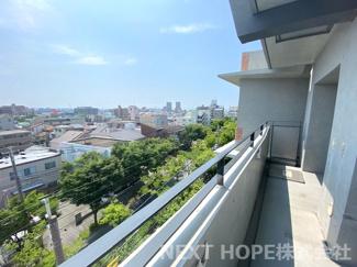 バルコニーからの眺望です♪6階部分で周囲の目線も気になりませんね(^^)