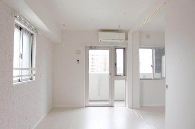 【居間・リビング】早良区西新1丁目 中古マンション 1LDK 11階