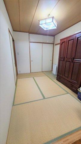 ◇Japanese room◇新規畳表替え済みの和室。底冷えしづらく、クッション性があるので子供部屋としても最適。【現地(2021年7月)撮影】