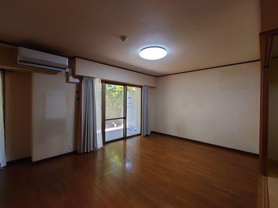 【居間・リビング】早良区飯倉3丁目 中古マンション3LDK 1階