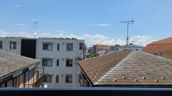 ◇View◇暖かな日差し、心地良い風、街の移ろいを楽しめる空間です。【現地(2021年8)撮影】