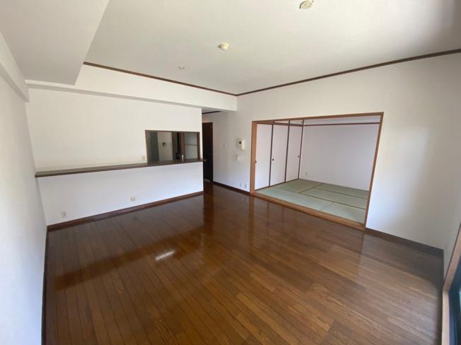 【居間・リビング】城南区友泉亭 中古マンション3LDK 1階