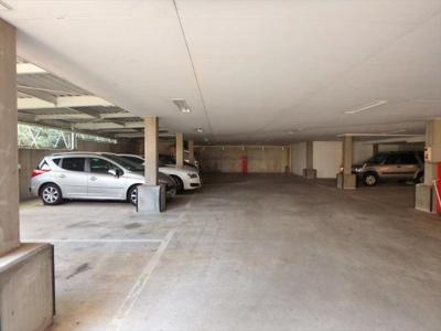 雨の日も便利な屋根付駐車場
