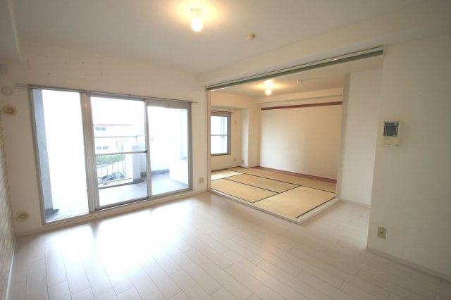 【居間・リビング】早良区原8丁目 中古マンション2LDK 2階
