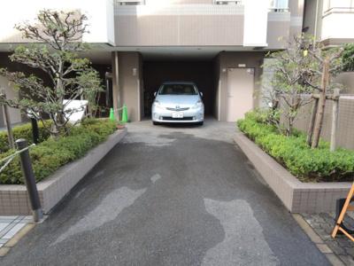 【駐車場】OMBルミエール (株)Roots