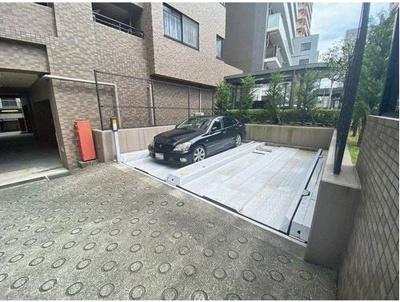 【駐車場】リーガル梅田