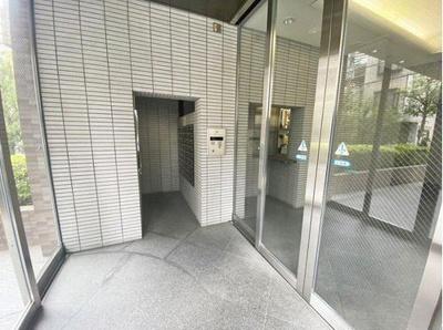 【エントランス】リーガル梅田