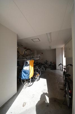 リンクパラッツォ上本町 駐輪場